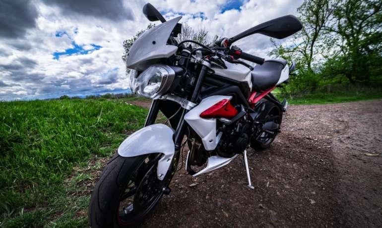 Une alarme moto sur smartphone pour Triumph